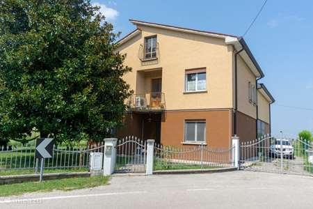 Vakantiehuis Italië, Veneto, Venetië vakantiehuis Huis & tuin in dorp dichtbij Venetië