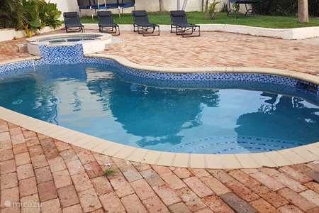 Vacation rental Curaçao, Banda Ariba (East), Rust en Vrede - apartment Central tropical apartment
