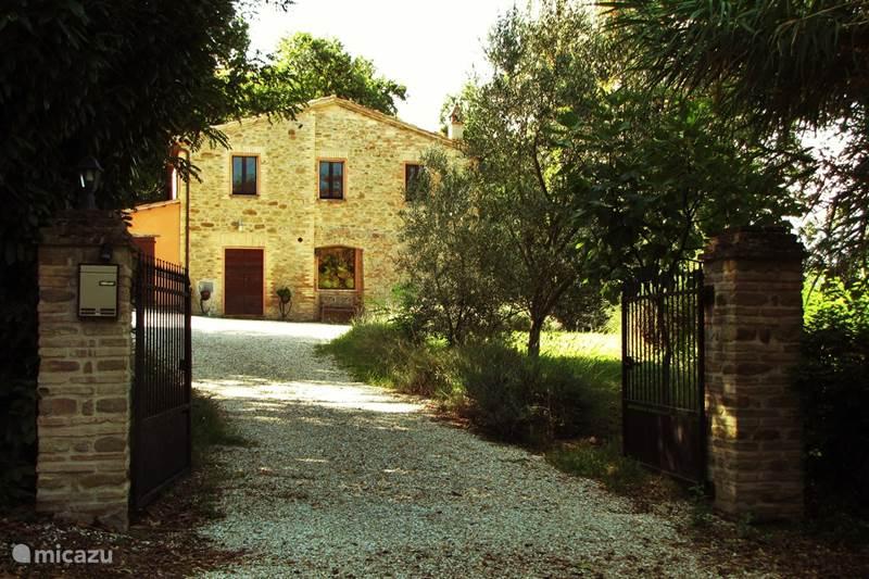 Vakantiehuis Italië, Marche, San Lorenzo In Campo Vakantiehuis Casa Panorama
