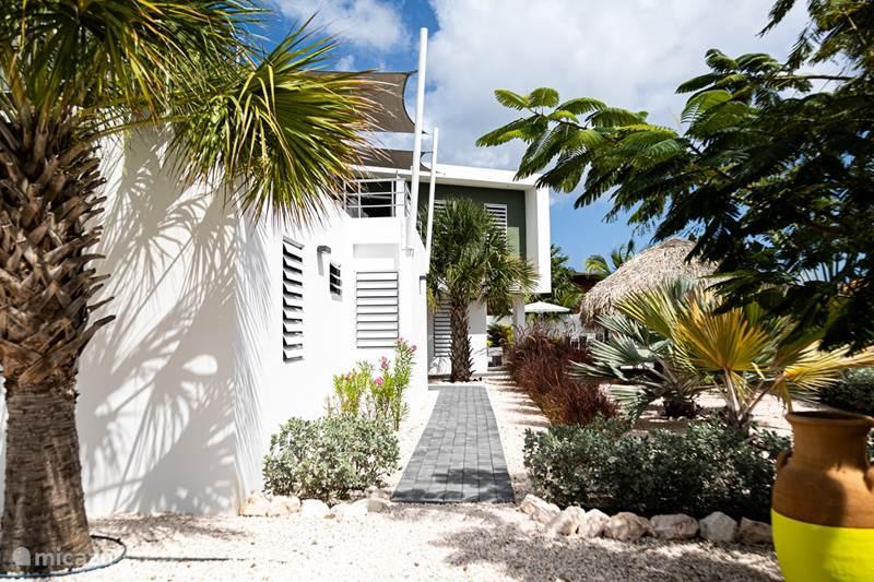 Vacation rental Curaçao, Banda Ariba (East), Jan Thiel Villa ** New ** Casa Tropicala