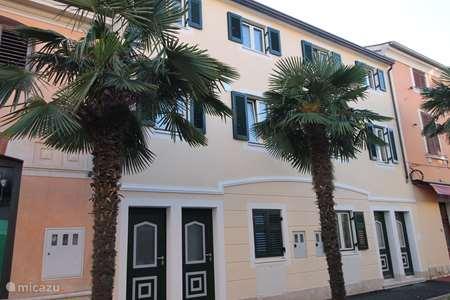 Vakantiehuis Kroatië – appartement Irina, (200 meter van zee!) ****