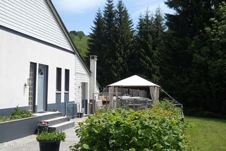 Vacation rental France, Puy-de-Dôme, Égliseneuve-d'Entraigues  gîte / cottage Gite les 3 Etoiles d'Auvergne