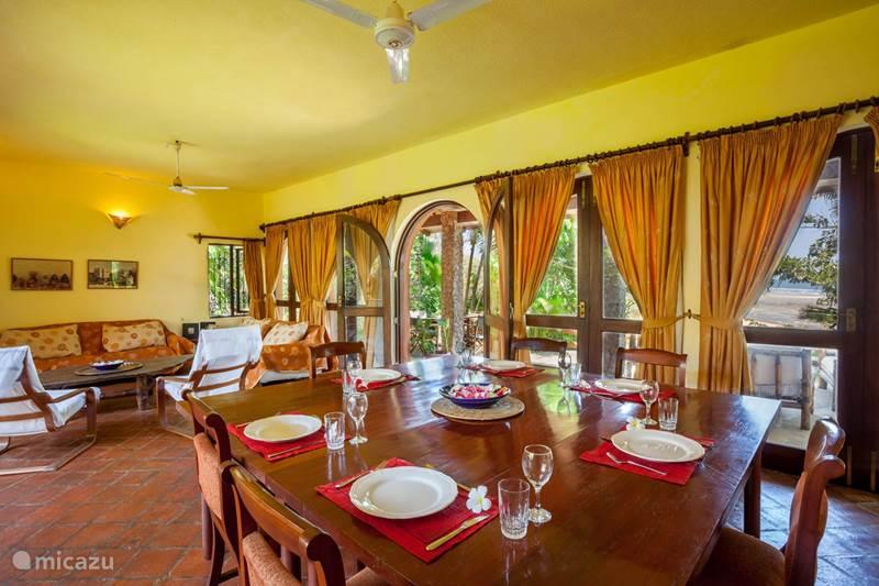 Vakantiehuis Kenia, Kuststreek, Kilifi Villa The Red House