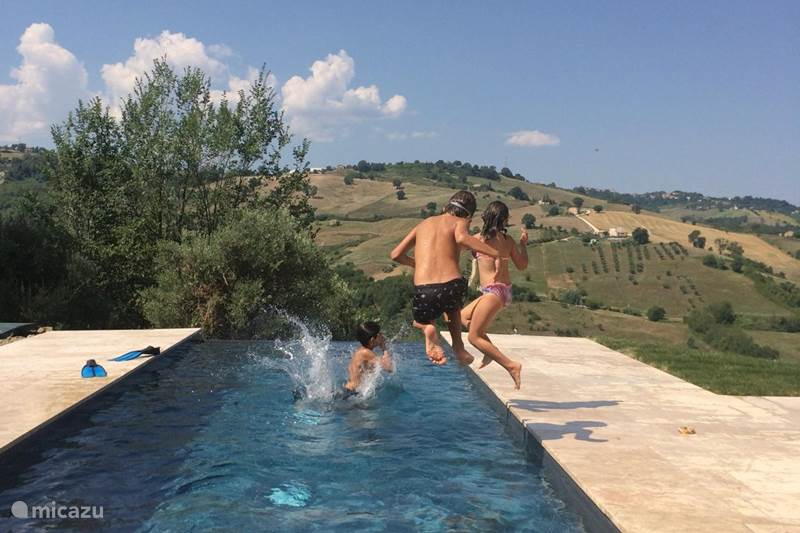 Vakantiehuis Italië, Marche, Falerone Vakantiehuis Casetta Olive