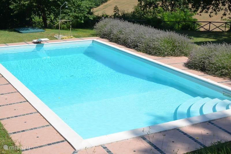 Vakantiehuis Italië, Marche, Santa Maria Nuova Bed & Breakfast  Il Posto Perfetto-B&B room azzurra