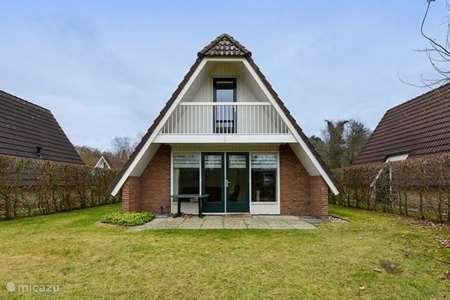 Vakantiehuis Nederland, Groningen, Vlagtwedde - vakantiehuis Vrijstaande woning aan het water