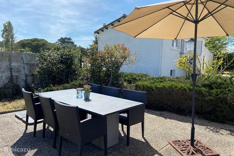 Vacation rental France, Charente-Maritime, Le Bois-Plage-en-Ré Holiday house Holiday home Rhétaise, Ile de Ré