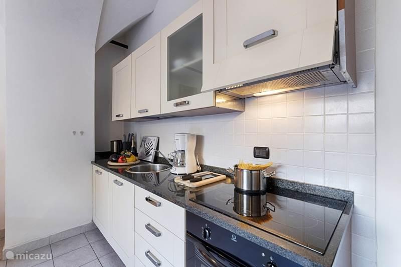 Vakantiehuis Italië, Comomeer, Acquaseria Appartement Nieuw: Appartement Comomeer met tuin
