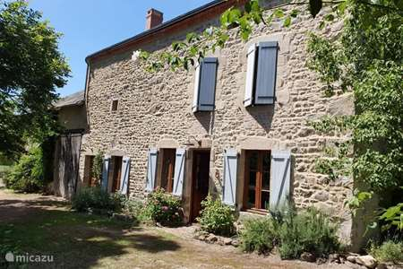 Vacation rental France, Puy-de-Dôme, Gouttières holiday house Holiday home Villejaleix