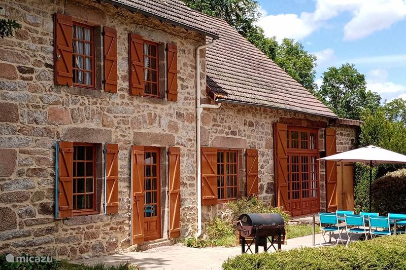 Vakantiehuis Frankrijk, Puy-de-Dôme, Gouttières Gîte / Cottage Vakantiehuis la Virade