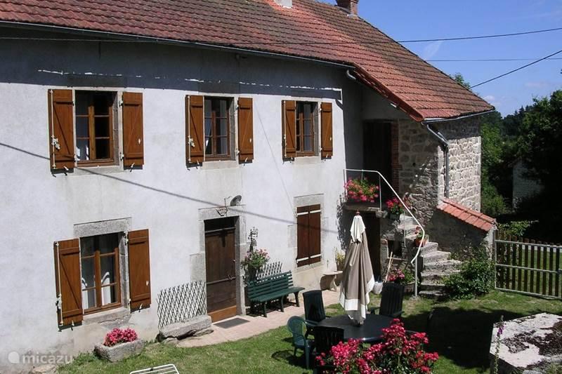 Vakantiehuis Frankrijk, Puy-de-Dôme, Saint-Priest-des-Champs Vakantiehuis Vakantiehuis la Sauvolle