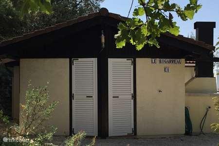 Vacation rental France, Gard, Méjannes-le-Clap bungalow Le Mattas E1