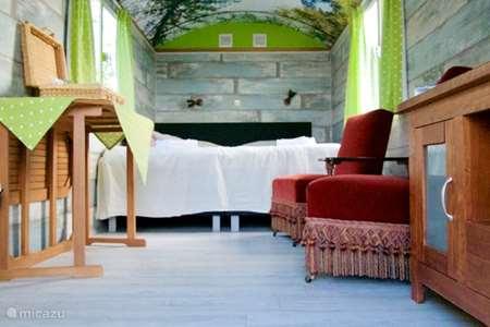 Vakantiehuis Nederland, Noord-Holland, Andijk - glamping / safaritent / yurt Avontuurlijk slapen in een Pipowagen