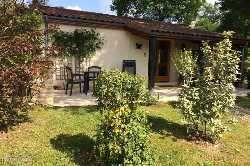 Vacation rental France, Lot, Gourdon Bungalow Montmarsis 14