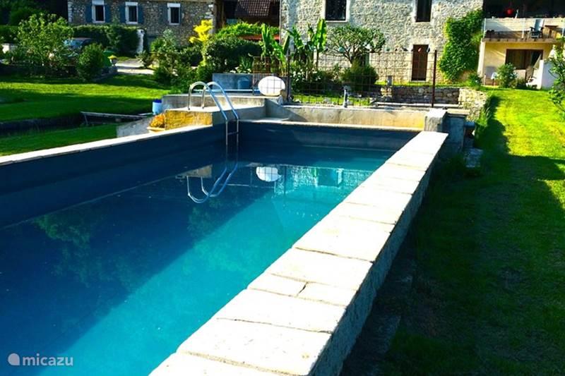 Vacation rental France, Lot, Lachapelle-Auzac  Gîte / Cottage Les Pieds Dans l'eau Gite Blagour