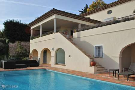 Vacation rental France, French Riviera, Sainte-Maxime villa Villa Amelie with pool and sea view
