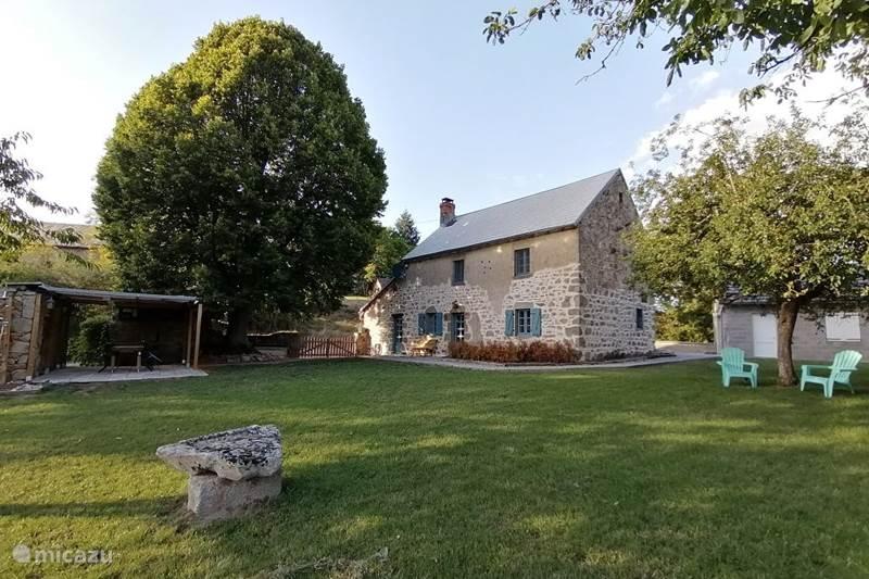 Vacation rental France, Puy-de-Dôme, Pionsat  Gîte / Cottage Holiday home le vieux Tilleul