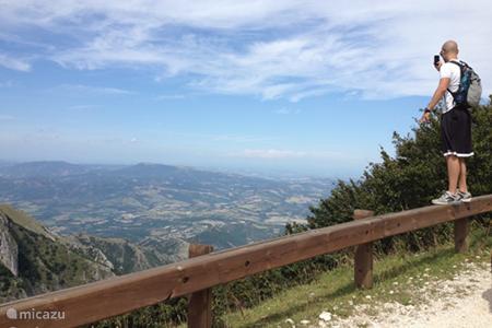• bergwandelingen & wandelingen in de omgeving