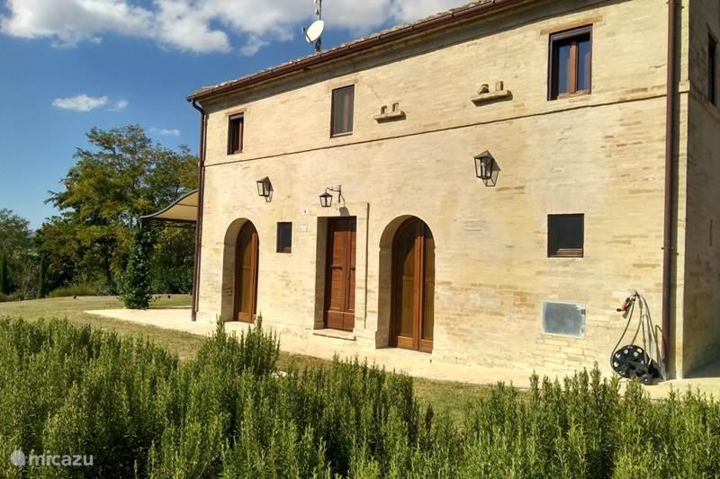 Vakantiehuis Italië, Marche, Ponzano di Fermo Vakantiehuis Casale Leporello