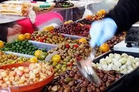 Grote overdekte markt in Ventimiglia