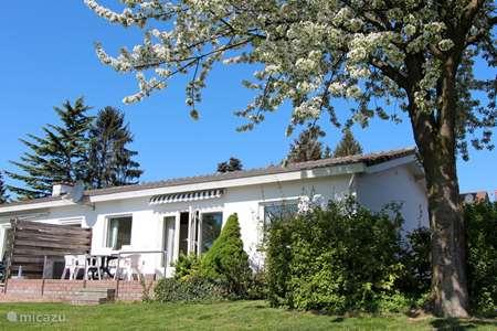 Vakantiehuis Nederland, Limburg, Valkenburg vakantiehuis InLimburgopvakantie Domein Hellebeuk