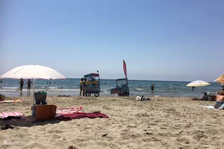Zonovergoten stranden aan de Middellandse Zee