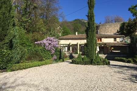 Vacation rental France, Drôme, Châtillon-en-Diois  gîte / cottage Les Capucines