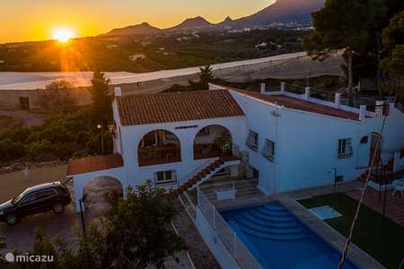 Vacation rental Spain, Costa Blanca, La Nucia - villa  Villa with swimming pool & sea view