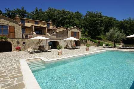 Vakantiehuis Italië, Umbrië, Tuoro sul Trasimeno appartement Villa Palladio - appartement Minore