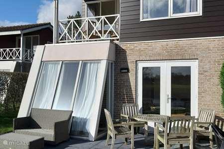Vakantiehuis Nederland, Groningen – vakantiehuis Halfvrijstaand vakantiehuisje