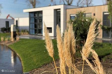 Vakantiehuis Nederland, Gelderland, Hulshorst (Veluwemeer) vakantiehuis Luxe Chalet aan het Veluwemeer