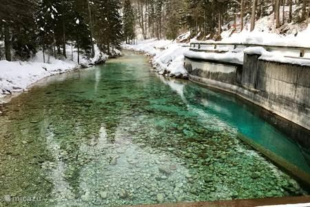 Slovenië bevroren waterval