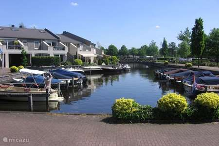 Vacation rental Netherlands, Overijssel, Wanneperveen apartment Apartment with lake view Giethoorn