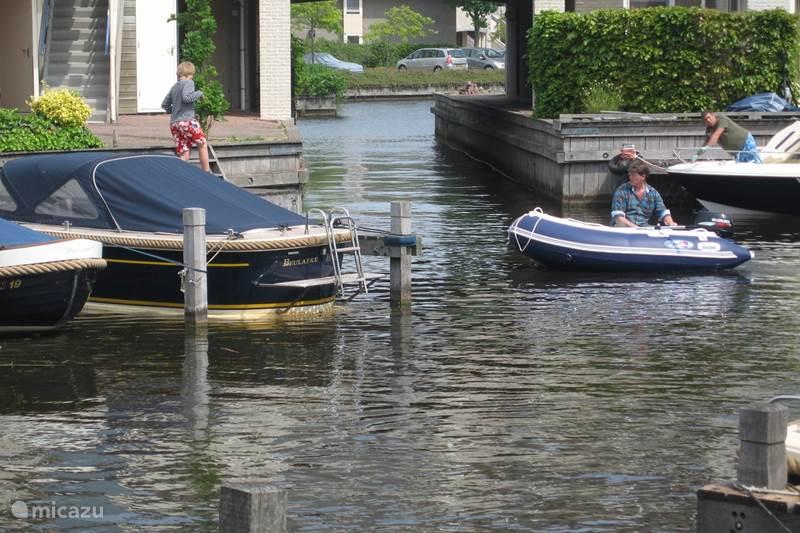 Ferienwohnung Niederlande,  Weerribben-Wieden, Wanneperveen Appartement Wohnung mit Seeblick Giethoorn