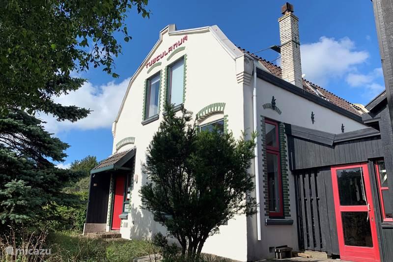 Vakantiehuis Nederland, Noord-Holland, Wijk Aan Zee Vakantiehuis Villa Tusculanum: Aan de duinrand
