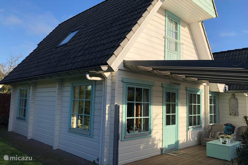 Vakantiehuis Nederland, Groningen, Kropswolde Blokhut / Lodge Luxe Finse Blokhut