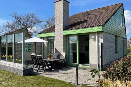 Vakantiehuis Nederland, Noord-Holland, Julianadorp aan Zee bungalow Albatros 126 Julianadorp aan Zee