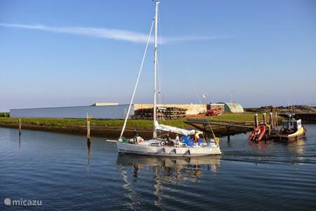De Marina biedt overdekt zwembad, verhuur fietsen, boten, speeltuintje,winkeltje
