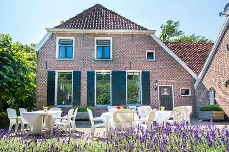 Vakantiehuis Nederland, Gelderland, Groenlo boerderij Het Reirinck (1662) Het Voorhuis
