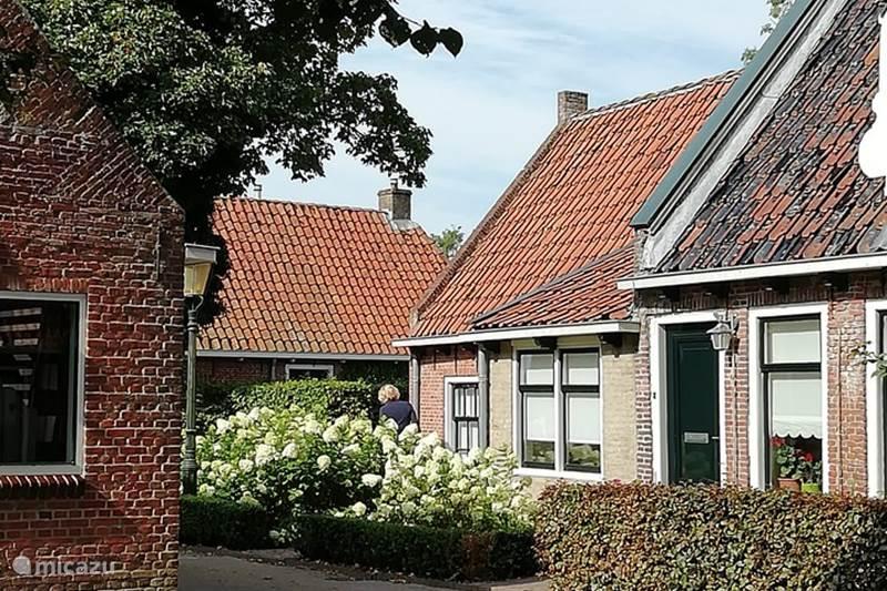 Vakantiehuis Nederland, Friesland, Ee (le) Vakantiehuis Huisje Op 'e Terp - Ee, Friesland