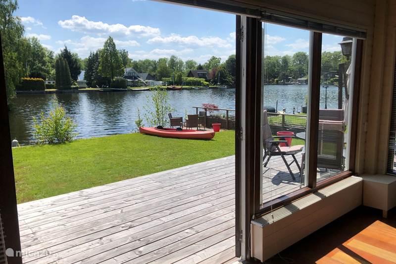 Vakantiehuis Nederland, Groningen, Haren Vakantiehuis Huisje aan het meer