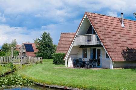 Vakantiehuis Nederland, Overijssel, Gramsbergen - vakantiehuis Bungalow Vechtdal op familiepark