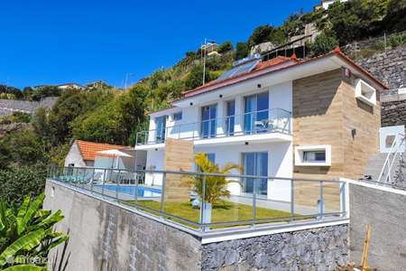 Vacation rental Portugal, Madeira, Calheta villa Casa Tropical View