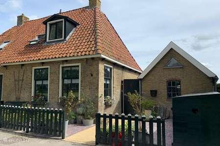 Vakantiehuis Nederland, Friesland, Leeuwarden - vakantiehuis Fries arbeidershuisje uit 1842