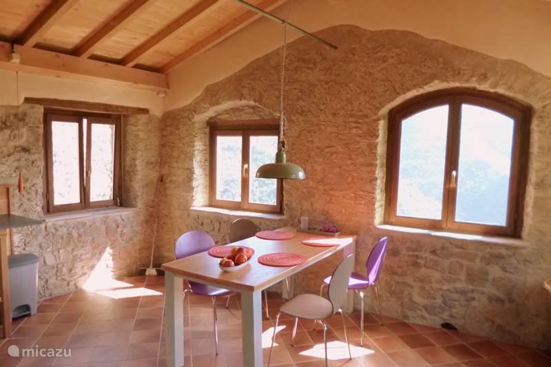 Vakantiehuis Italië, Ligurië, Pigna Appartement Casarovear Appartement
