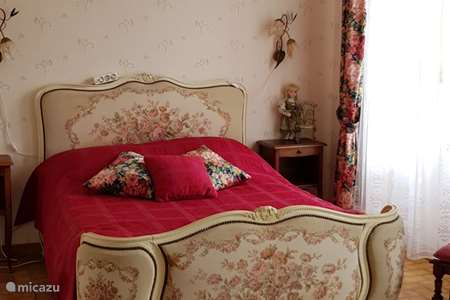 Vacation rental France, Allier, Saint-Bonnet-Tronçais bed & breakfast Le Voyageur room 1