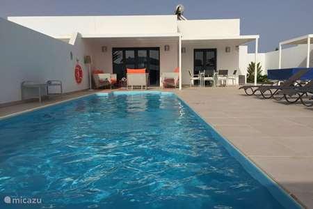 Vacation rental Spain, Lanzarote, Playa Blanca holiday house Casa Alice