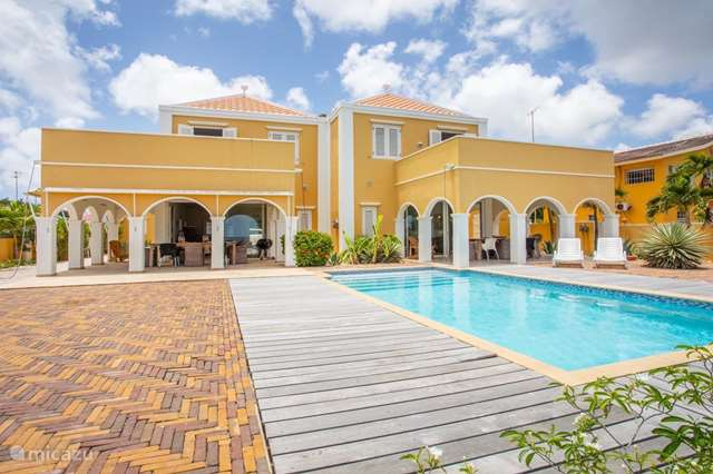 Vacation rental Curaçao, Curacao-Middle, Willemstad - manor / castle Country house Flamboyan A