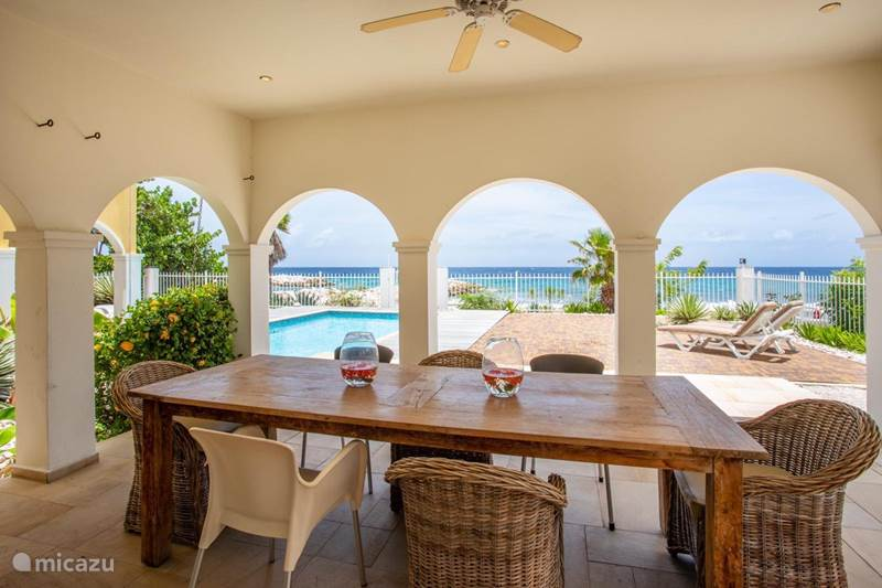 Vacation rental Curaçao, Curacao-Middle, Willemstad Manor / Castle Country house Flamboyan A