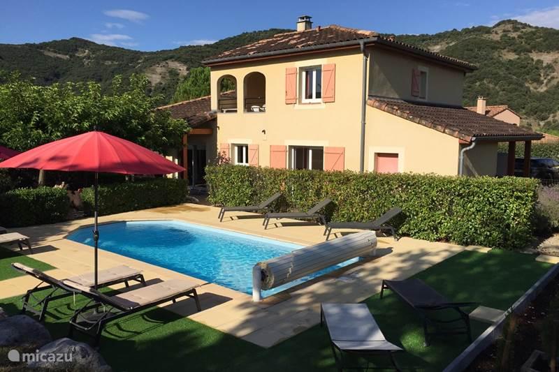 Vacation rental France, Ardèche, Vallon-Pont-d'Arc Villa Villa Mazes
